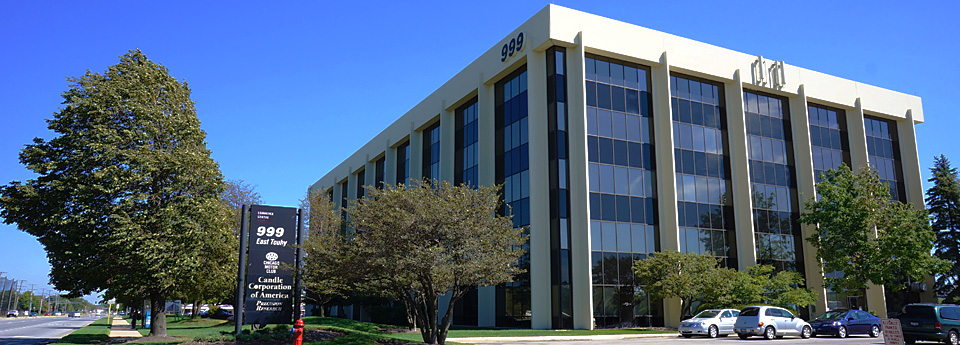 Exterior of 999 E. Touhy an office for rent in Des Plaines.
