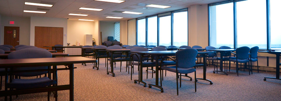 Conference room at 999 E. Touhy an office for rent in Des Plaines